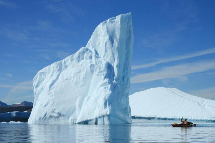 © Icebergs et kayak côte est Groenland