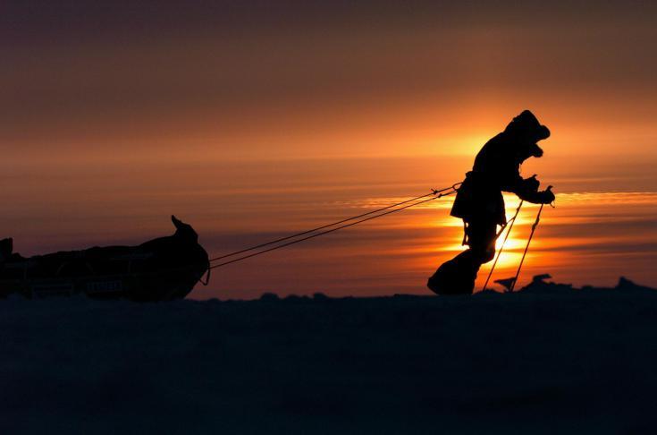 © Expédition polaire au pôle nord géographique en ski pulka en avril 2015