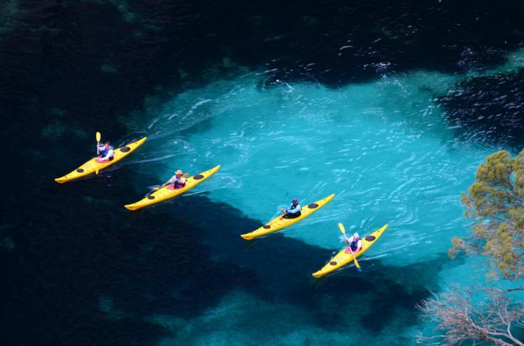 © kayak de mer en méditerrannée calanques côte bleu