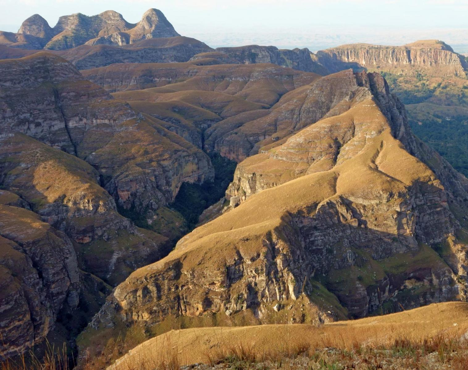 Madagascar  Traversée intégrale du Makay   Trek & Randonnée