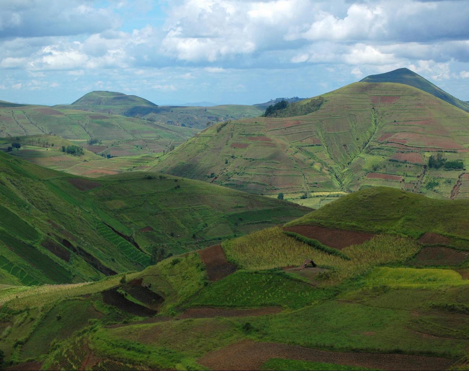 Madagascar  Des lacs et volcans d'Itasy au canal des Pangalanes   Découverte Navigation