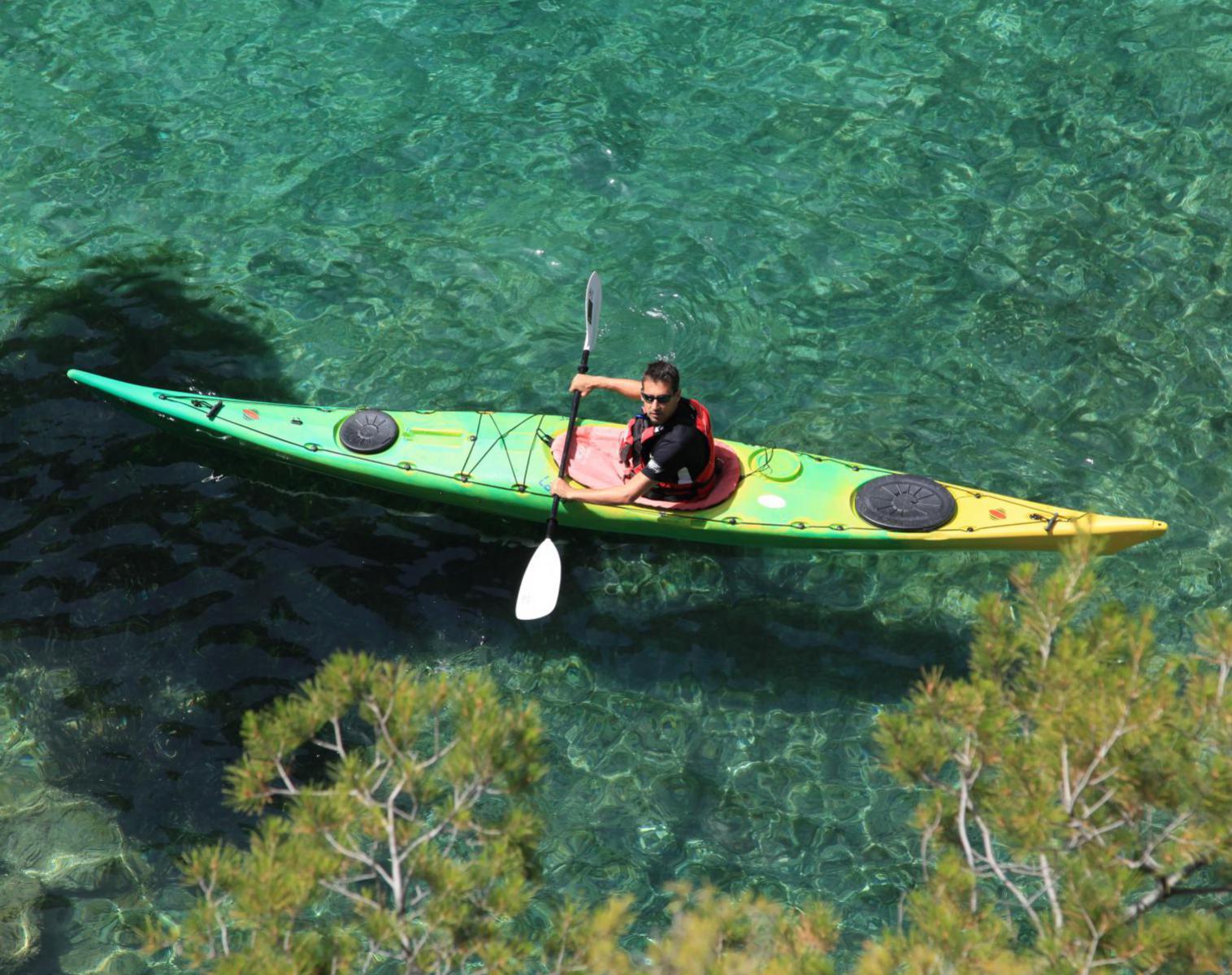 France  Marseille, du vieux port aux calanques en kayak de mer   Découverte Kayak & Canoë
