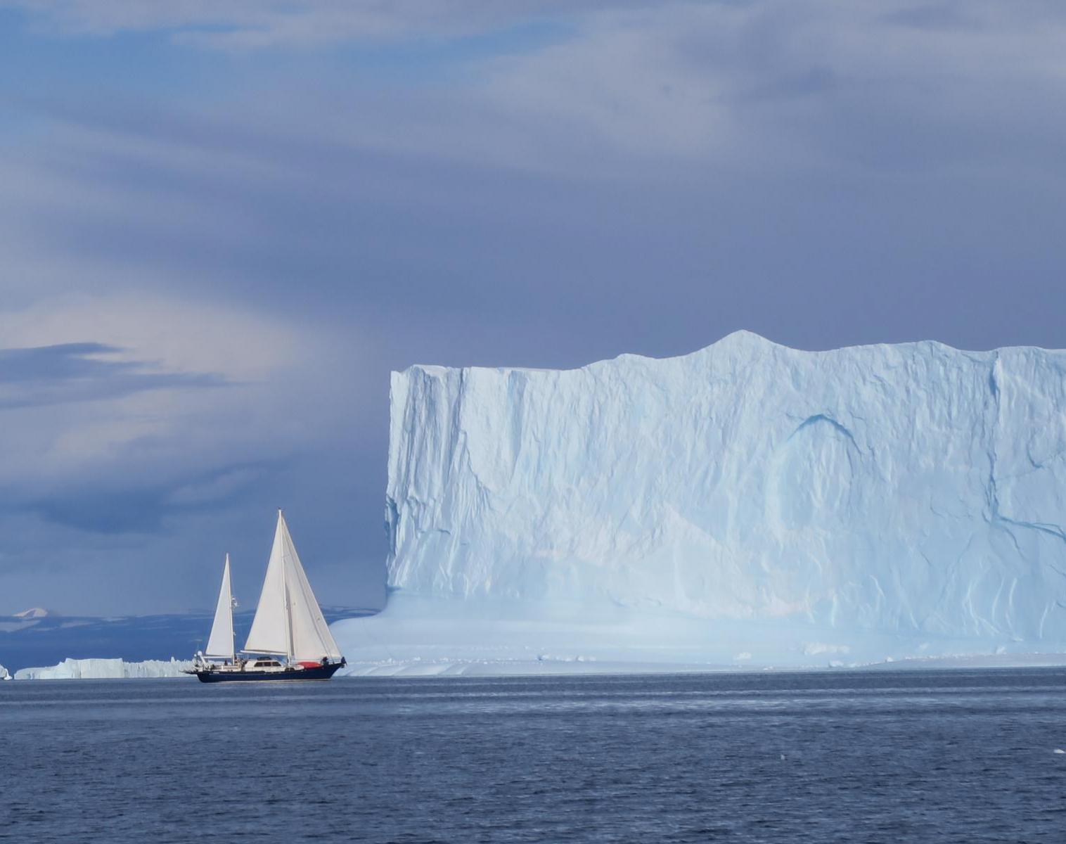 Groenland  Exploration en voilier au coeur du Scoresbysund   Trek & Randonnée Navigation