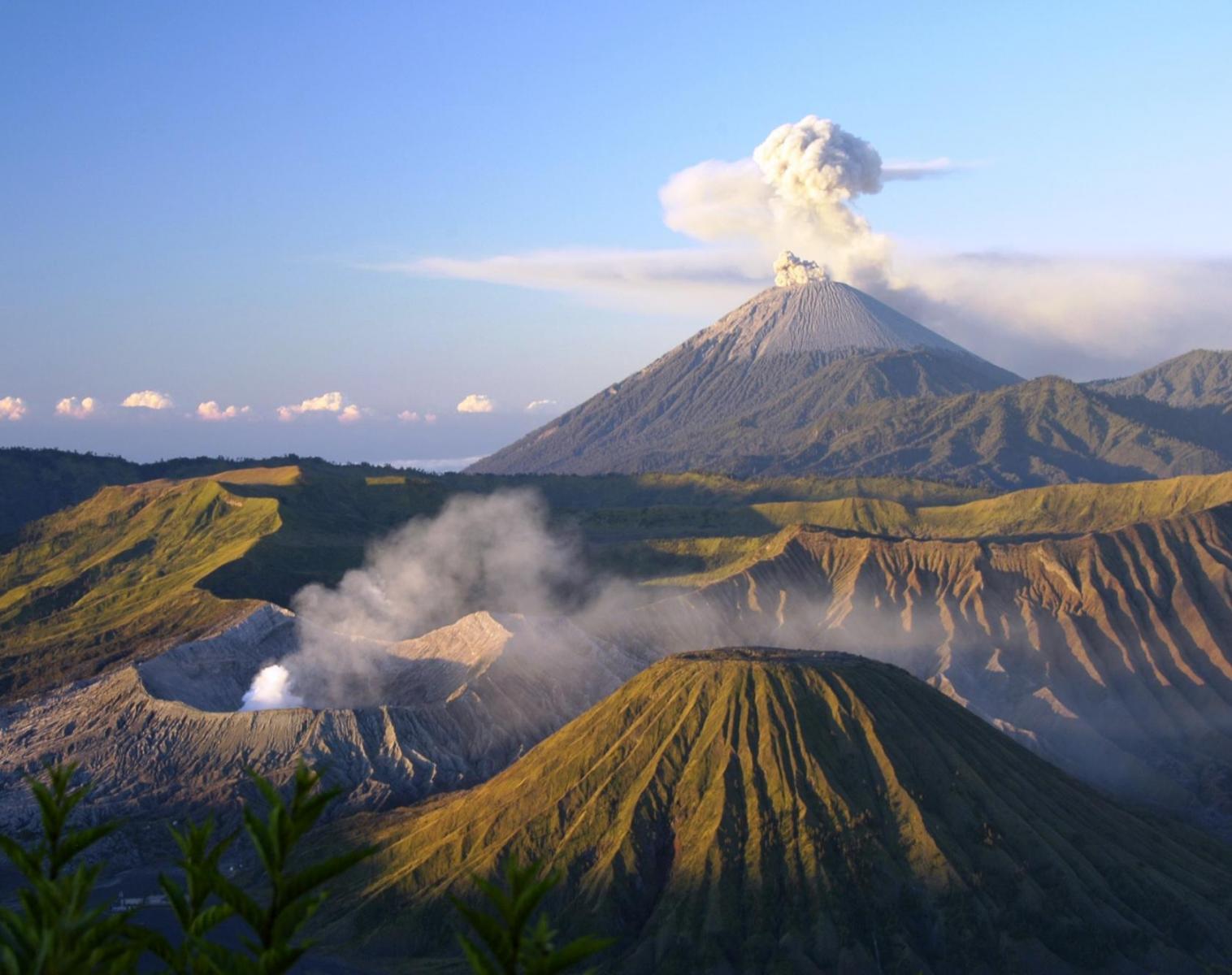 Indonésie  Java, Bali et croisière sur les îles komodo   Découverte Observation nature Navigation Apnée & Plongée  Balade nature Rencontres et cultures du Monde