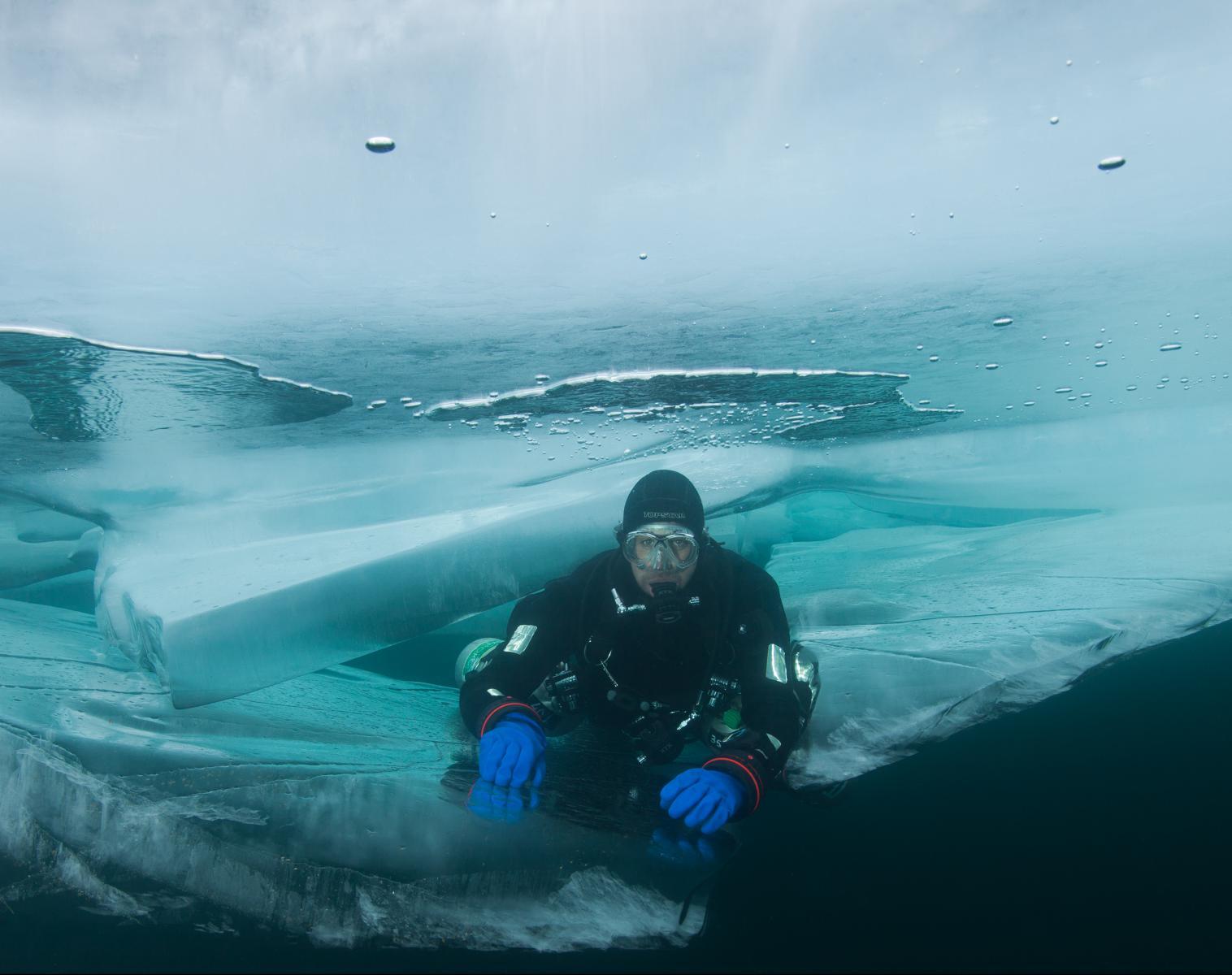 Russie  Sous les glaces du lac Baïkal   Apnée & Plongée  Rencontres et cultures du Monde