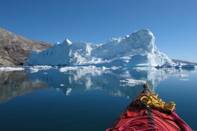Kayak dans les fjords de la côte est du Groenland