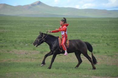 Randonnée nature découverte Mongolie grands espaces trek yourtes culture locale