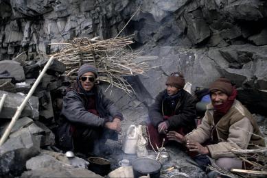 Voyage d'aventure Inde himalayenne traversée rivière gelée Tchadar