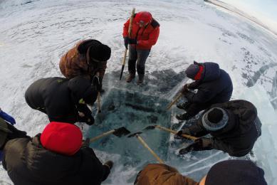 Voyage en sibérie et plongée sous glace au lac Baïkal