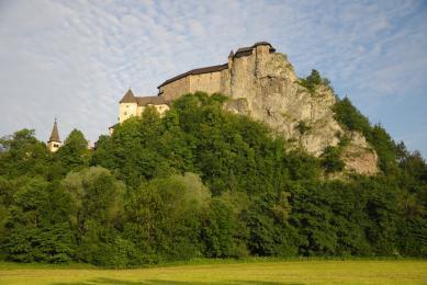 château traditionnel slovaque voyage découverte nature trek faune et flore