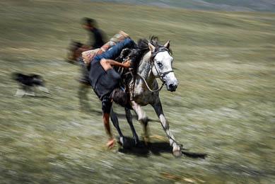 Randonnée trek aventure culture kirghize rencontres Kirghizistan nature chevaux