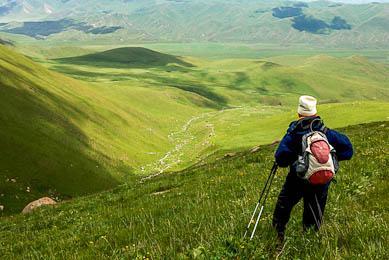 Trekking randonée steppe kirghize Voyage aventure découverte Kirghizistan trek