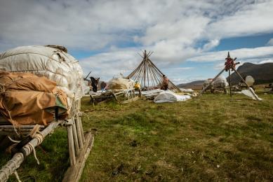 Voyage Siberie nomades nénètses toundra oural polaire renocntres immersion komis