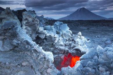 voyage hors des sentiers battus volcans montagnes lacs Kamchatka Russie aventure sauvage randonnée